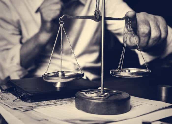 Cómo escoger el abogado correcto
